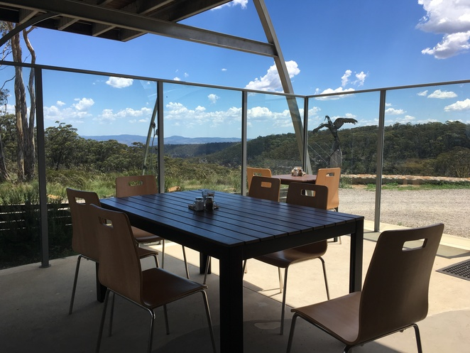 The Local Nomad, Blue Mountains Cafe, Jade Jackson Photography, Vegetarian cafe blue mountains, Bell, Dargan, bush, scenic view