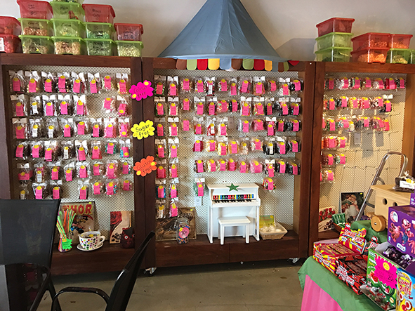 Candy Queens, Chocolates, Coffee, Gifts, Imported Sweets