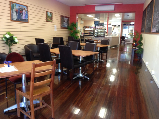 Dining, Cafe, Maryborough, Therapist