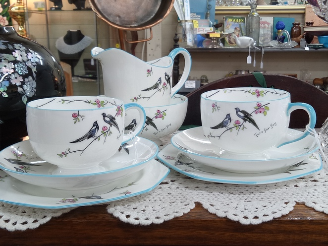 Kitchenwares, teaset, retro, vintage wares, antique, secondhand shop, eltham