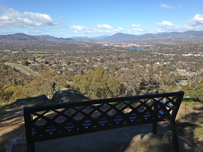 mount taylor, canberra nature park, walking trails, bushwalks, ACT, tuggeranong, kambah