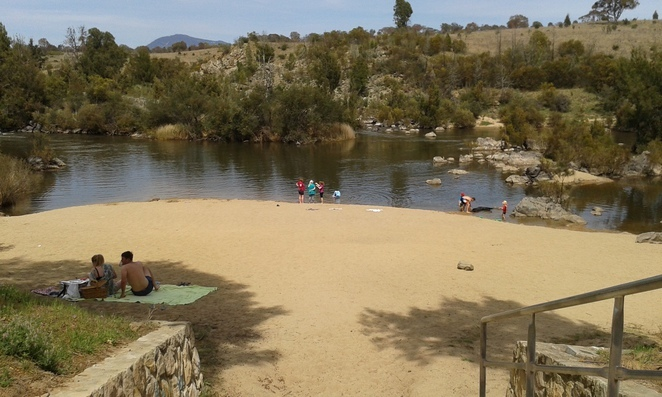 pine islane reserve, murrumbidgee river, river swimming for kids, ACT, canberra swimming, river swimming holes,