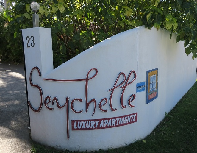 tin can bay, Seychelles, luxury apartments, units, airbnb, boating, fishing, dolphins, apartment, may cross