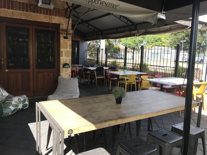 belvidere's bar & bistro, pubs in perth, best pub grub in perth, child friendly pub, sports bars, pubs near perth CBD