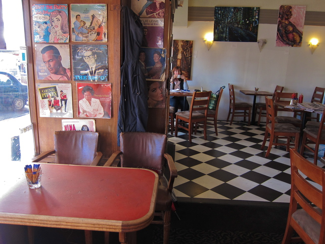 best katoomba restaurants and cafe's,The Savoy Cafe, Katoomba, Blue Mountains, NSW