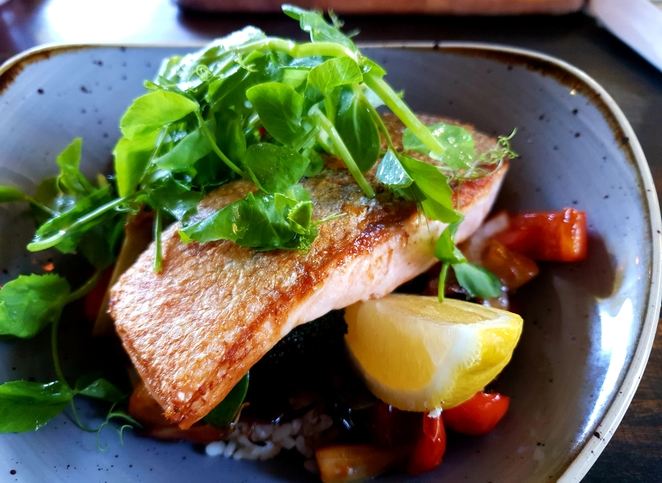 Blue Mountains, cafe, lunch, salmon, healthy