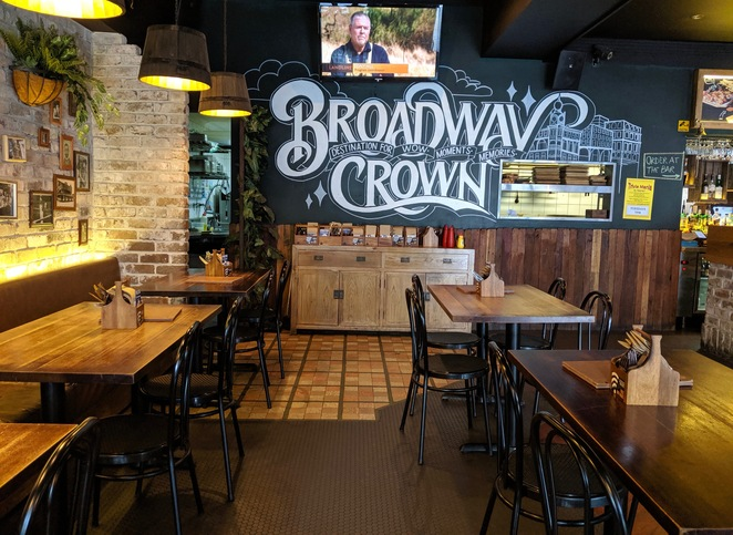 Broadway Crown, Chippendale