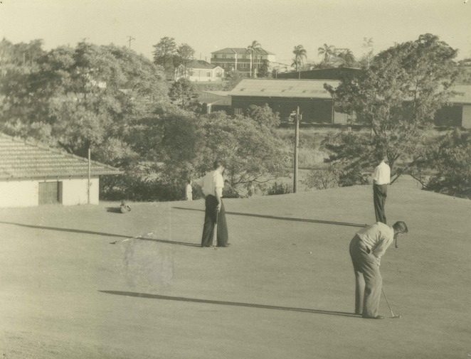 Golfers at Victoria Park 1953