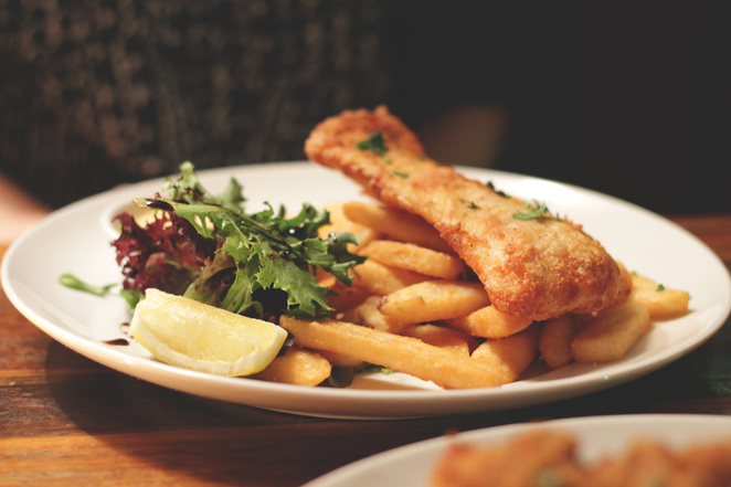 manly food crawl fish chips four pines