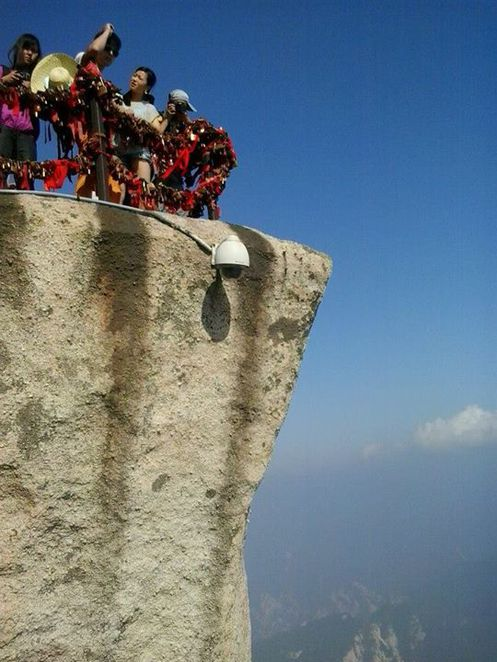 mountain climbing china, huashan, most dangerous hiking trail in the world, via ferrata