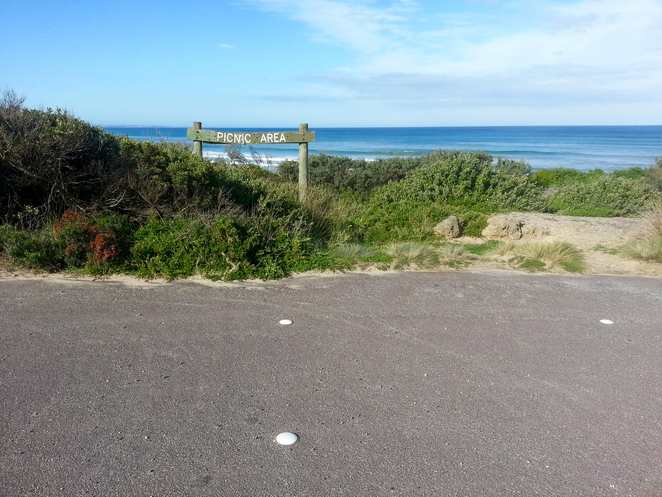 Ocean Grove, Rotunda, BBQ area, public barbecues, surf beach road, picnic area, picnic spot, car park, parking,
