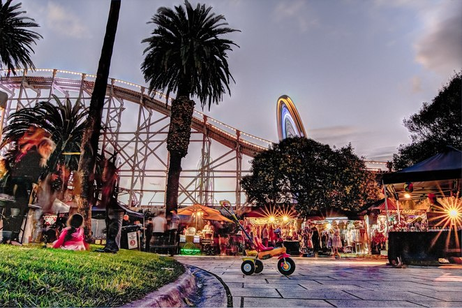 st kilda twilight market 2018/2019, community event, fun things to do, market stalls, street food, food stolls, o'donnell gardens, artowrk, vintage wear, craft, hand designed fashion, jewellery, exotic clothes, produce, emerging designers, beside luna park, local treasure, st kilda, music, entertainment, shopping, outdoor event