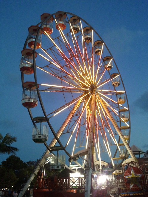 Ferris wheel @ Manly Harbour