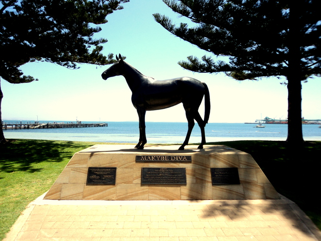 makybe diva statue port lincoln