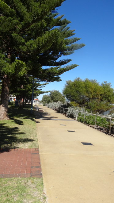 Pram friendly walks South of the River Rockingham Foreshore