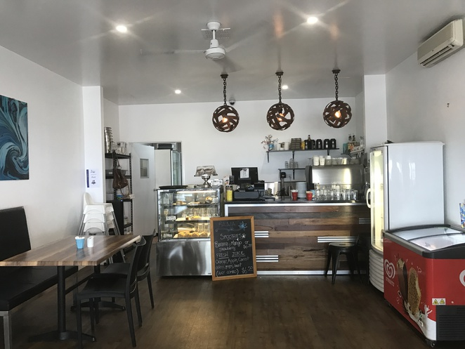 baaia cafe, sandgate, redcliffe, northern suburbs, northside, brisbane, moreton bay, beach, dog friendly, coffee, breakfast, brunch, lunch, restaurant, waterfront, beach