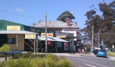 Bunyip Village Cafe with Bunyip Hotel in background