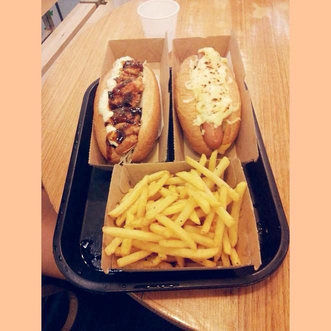 chanoma cafe, hot dog, chanoma cheese dog, teriyaki chicken dog, japanese, european, food, cuisine, yum, delicous, shaken fries, salt and pepper, regent place