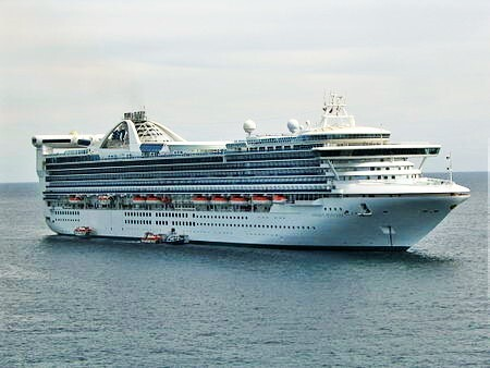 Cruise ships at Phillip island,Cruise ship spotting,Ship Spotting,Ships arriving at Phillip island,Cruise ship season,visit bass coast,visit Gippsland,visit phillip island,visit south Gippsland,things to do on phillip island,