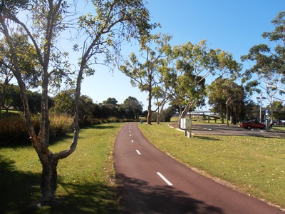 A carpark is conveniently located at John Oldham Park, just off Mounts Bay Road, while several cycle paths pass nearby.