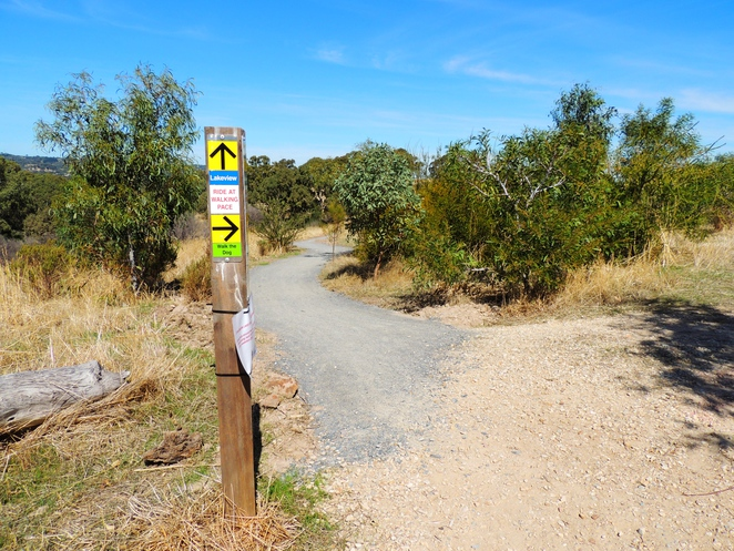 mountain biking, hiking in the, bicycle trails, adelaide hills, off leash dog, south of Adelaide, bike trail, craigburn farm, sturt gorge, sign posts