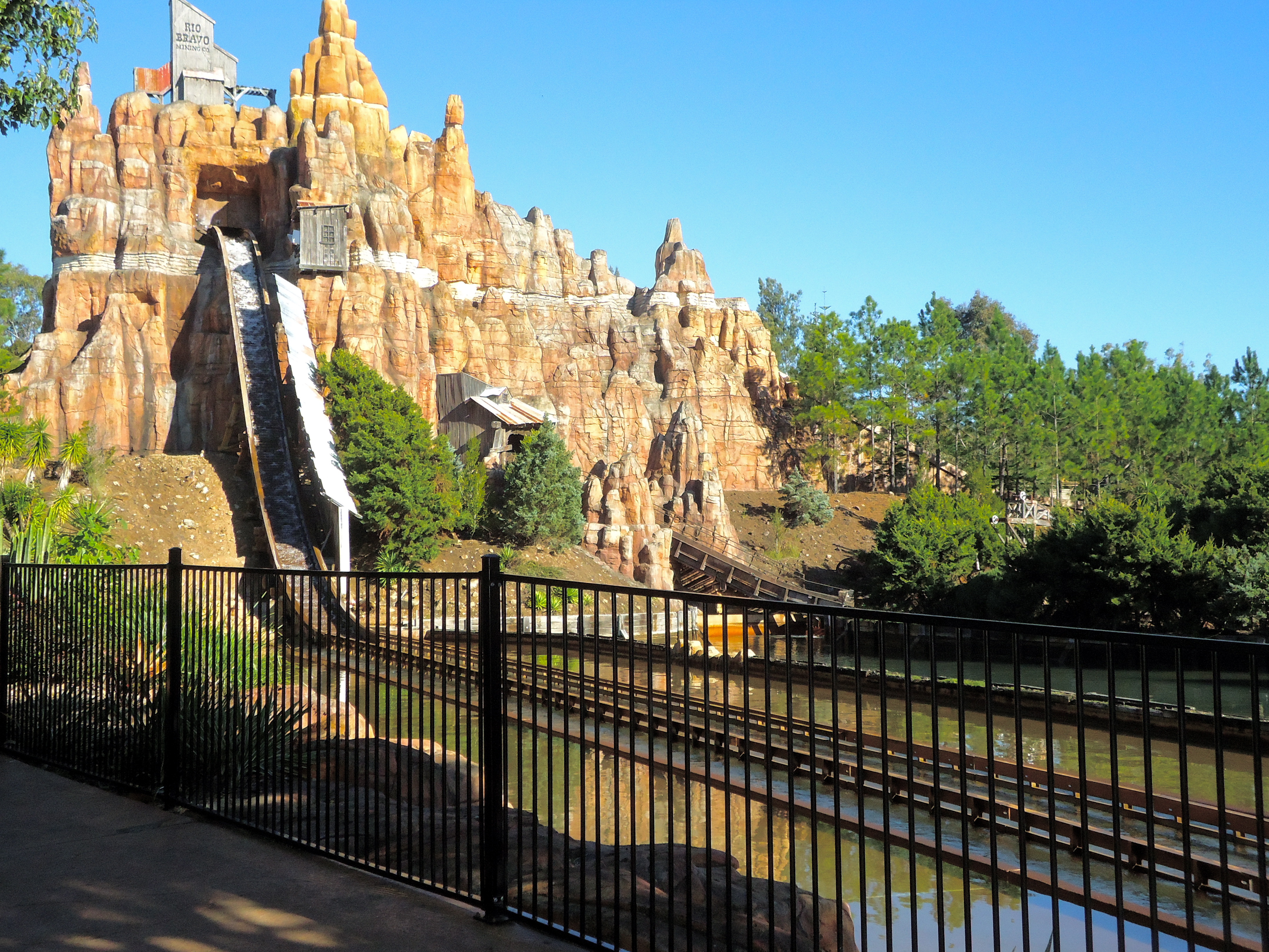 what is the best theme park on the gold coast gold coast
