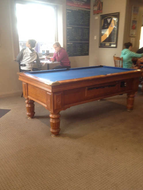 Pool table, Railway Hotel, Bannockburn