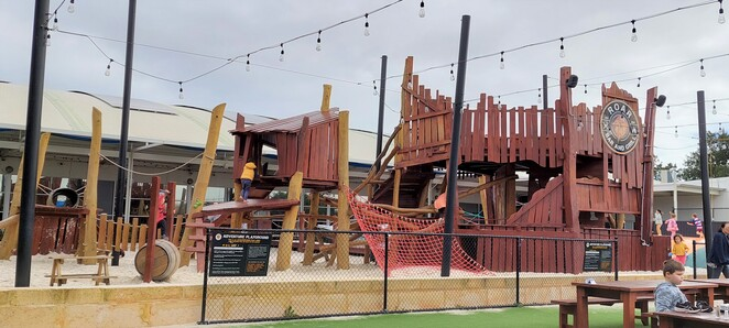 roar bar and grill playground