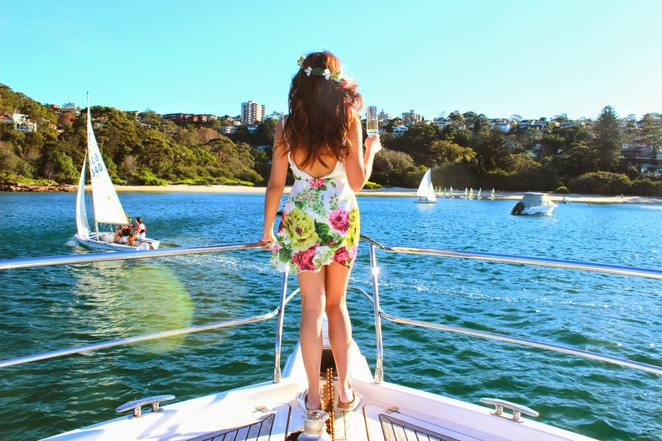 seaduced, private, charter, boat, yacht, cruise, luxury, relax, sydney, champagne