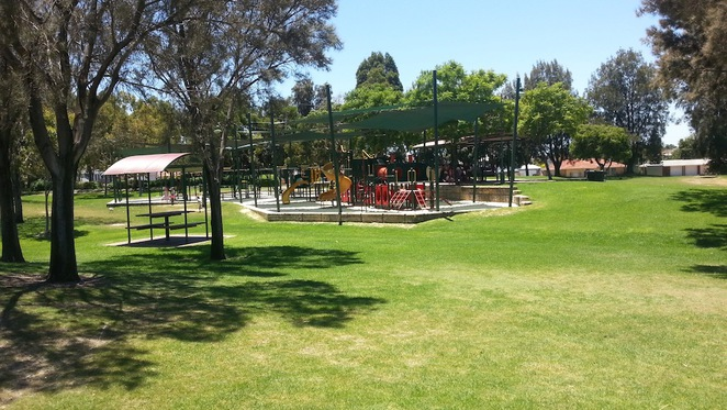 Stirling, Civic, gardens, park, war memorial, playground, picnic, barbeque, bbq, children, lakes, grass, shade, playground