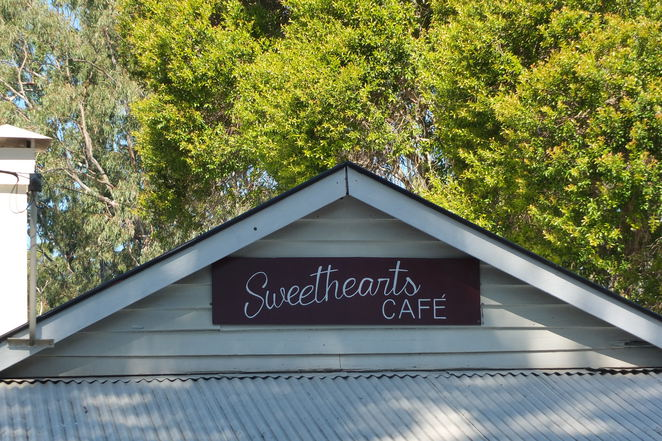 Sweethearts Cafe, Eudlo, Sunshine Coast Hinterland, breakfast, lunch, sweets display counter, burgers, kids menu, indoor seating, outdoor seating, delightful cafe, charming cafe, quaint cafe