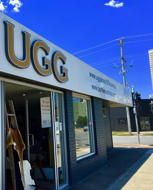 ugg,uggs,boots,factory,store,gold_coast,fashion,sheepskins,leather,levi,jeans,custom_made,beach,snow,casual,formal,swarovski_crystal