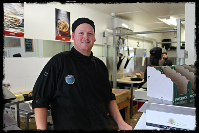 butcher, benno's meating place, barwon heads, sausges, small goods