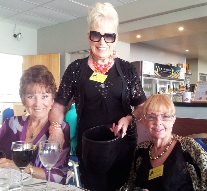 chicks at lunch, chicks @ lunch, southport yacht club, AWLQ, Kate James, Weekend Notes, Gold Coast, charity,