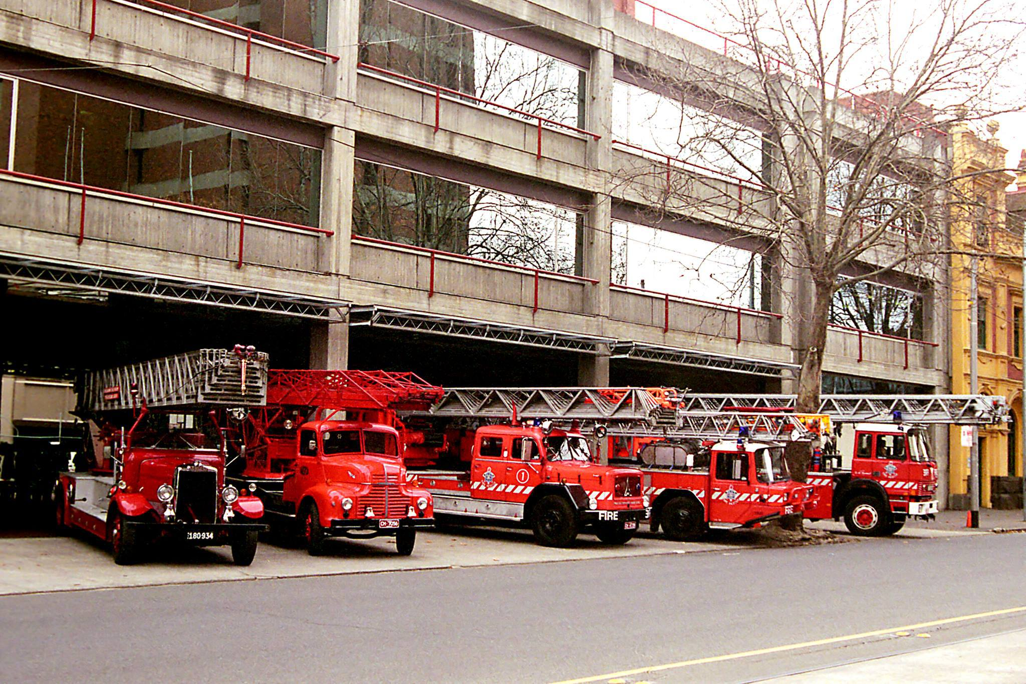 history fire service History of the fire service • romans created first fire department, the familia publica – first paid department in the united states was boston (established in 1679.