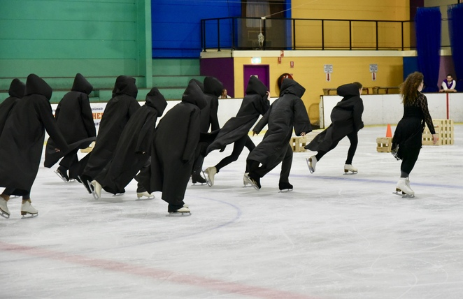 Harry Potter on Ice, Harry Potter, sorting hat scene, death eaters, image by Jade Jackson, JK Rowling, Pottermore, Hermione, Ron Weasley, Harry Potter spell class