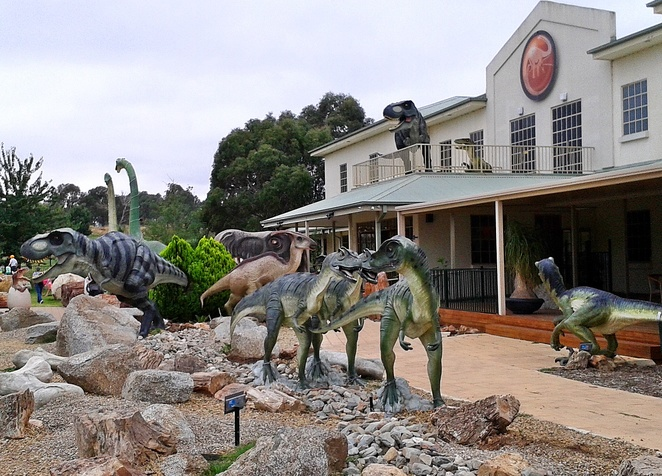 national dinosaur museum, canberra, gold creek, school holidays, children, kids, museums, preschoolers, dinosaurs, primary school, statues,