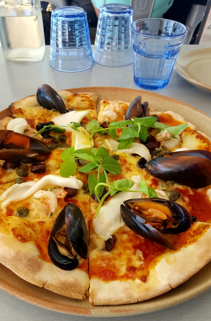 Pizza, seafood, lunch, views, waterfront, wine