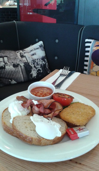 poppys cafe, canberra, best cafes in canberra, australian war memorial, restuarants, ACT, cafes, breakfast, brunch, lunch, coffee,
