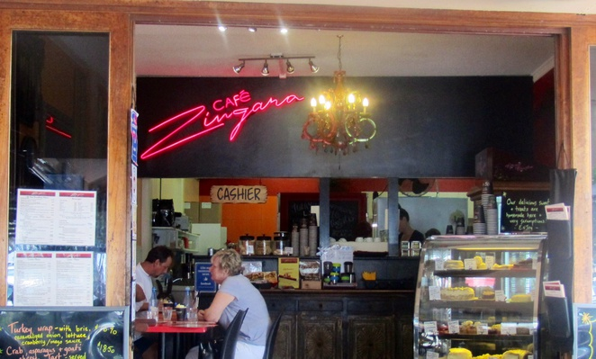Cafe Zingara, Kingscliff, Marine Parade, beachfront cafe, food, coffee, lunch, Northern New South Wales, coast
