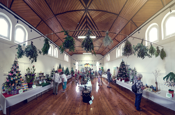 The Big Picture of Willunga Christmas Tree Festival