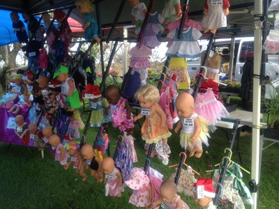 Kingscliff markets dolls clothes