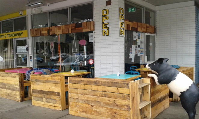 Little Oink Cafe, Cook shops, Canberra, Family Friendly cafes