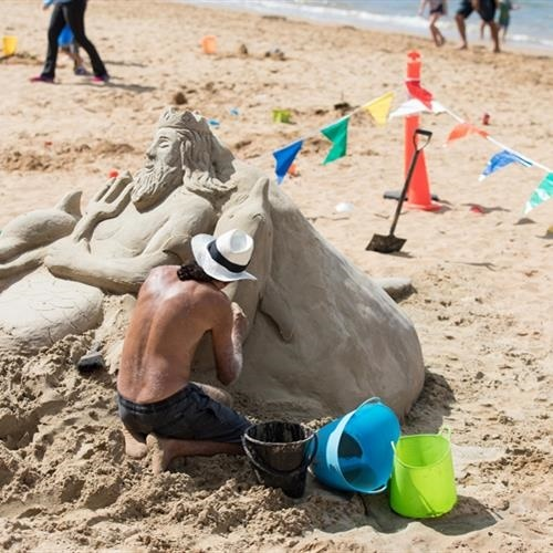 Make,your,own,sand,castle