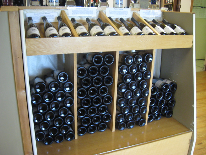 wine, vineyard, wine store, local wine, wine tasting, gift shop, pinot noir, cabernet sauvignon,