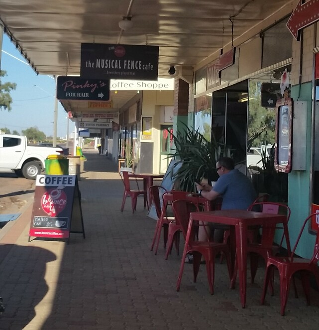 Winton, Queensland, cafe, outback, Musical Fence Cafe