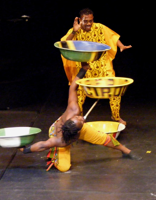 An amazing bowl juggling act