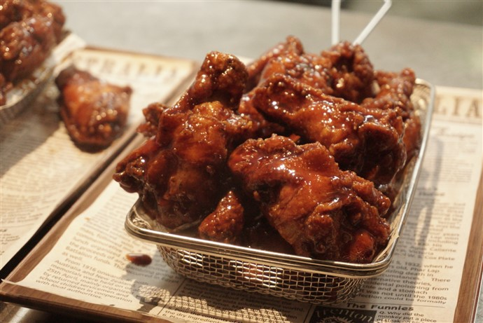 King Of The Wings Sydney Pop Up At The Observer Hotel Sydney