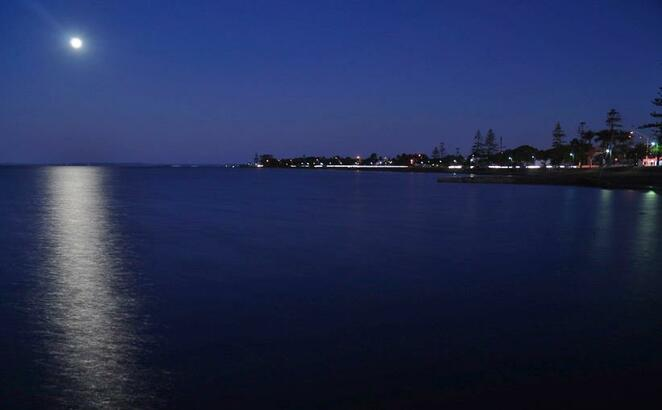 Moonrise across Moreton Bay from the Wynnum Whale Park