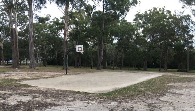 Ngulli Bui Park, Gold Coast, Picnic tables, Picnic Spot, Dog Walking, Olsen Avenue, Harbourtown, dog walking, walking track, playground, basketball court, basketball hoop,